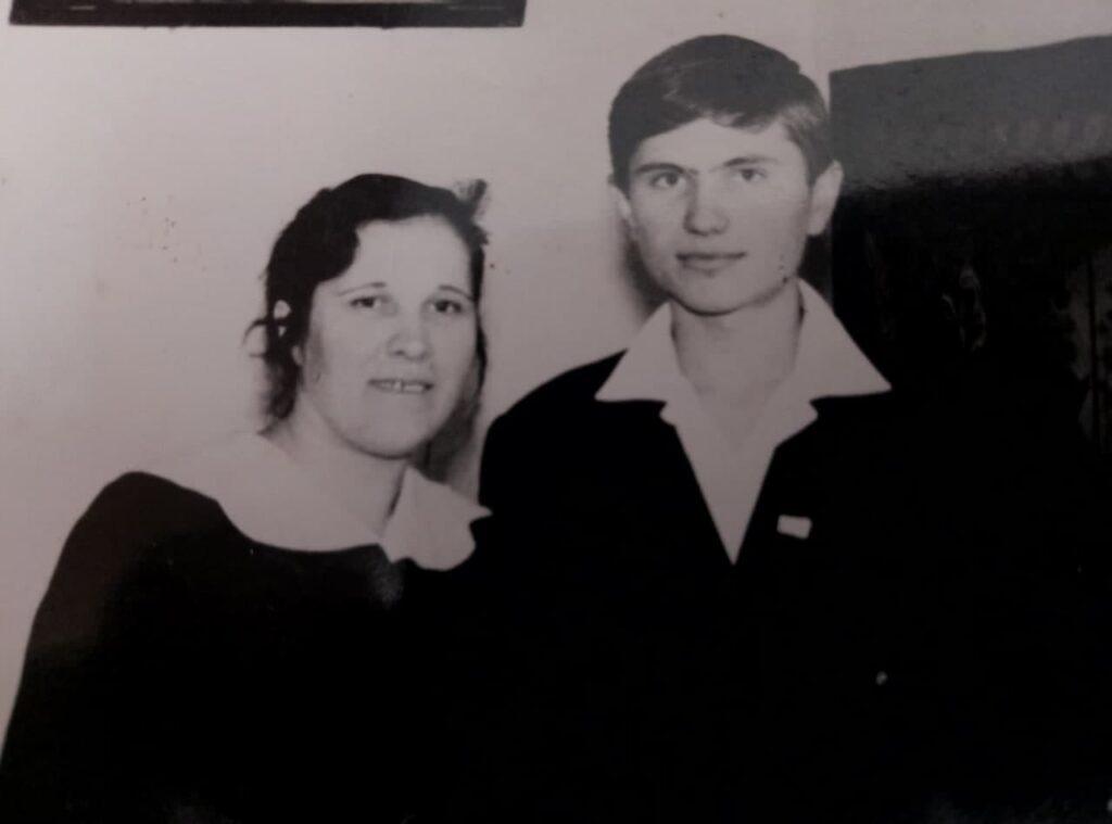 В. Фертюк с матерью Прасковьей Евгеньевной. 1966 год. Сегодня ей 93 года